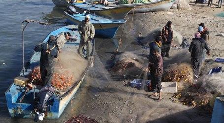 ISRAEL ARRESTS 10 GAZA FISHERMANS