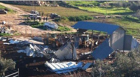 ISRAELI FORCES DEMOLISH DAIRY FACTORY IN HEBRON