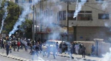 ISRAELI FORCES ATTACK PROTESTERS IN WEST BANK