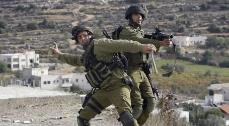 ISRAELI SOLDIERS ASSAULT 3 MEN WORKING AT BAKERY IN NABLUS