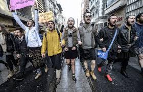 ERDOGAN SLAMS MALE PROTESTERS WEARING MINISKIRTS