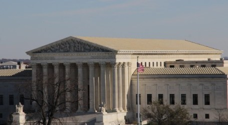 US SUPREME COURT HEARS CASE ON MUSLIM WEARING HEADSCARF