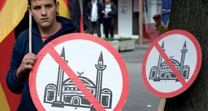 ANTI-ISLAM PROTESTS CONTINUE IN AUSTRALIA