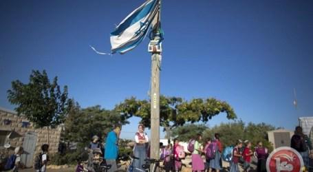 NETANYAHU HALTS BAN ON PALESTINIANS USING SETTLER BUSES