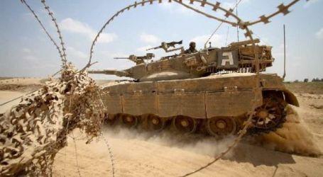 ISRAEI ARMORED TANKS PENETRATE GAZA BORDER