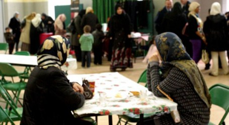 IRISH MUSLIMS TO SHARE RAMADAN