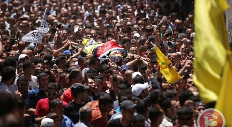 THOUSANDS ATTEND FUNERAL FOR PALESTINIAN TEEN SHOT BY ISRAELI FORCES