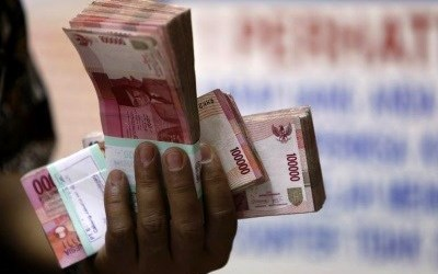 INDONESIA WILL NOT GO BANKRUPT LIKE GREECE: OFFICIAL