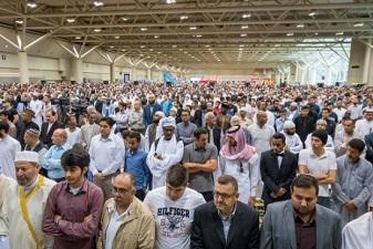 PRAYERS, CARNIVALS AWAIT CANADIANS IN `EID