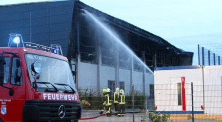GERMAN NEO-NAZIS BURN REFUGEE SHELTER