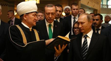 ISLAM PLAYS IMPORTANT ROLE IN RUSSIA, SAYS PUTIN