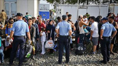 CROATIA WARNS OF REFUGEE BREAKING POINT