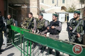 PALESTINIAN KILLED NEAR IBRAHIMI MOSQUE AFTER SOLDIER LIGHTLY INJURED