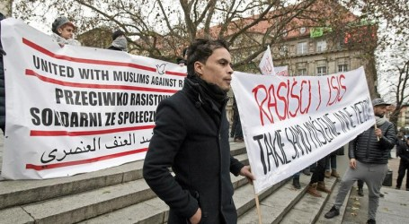 POLISH MUSLIMS RALLY AGAINST TERRORISM, RACISM
