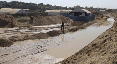 DFLP CALLS ON EGYPT TO STOP FLOODING RAFAH, OPEN CROSSING