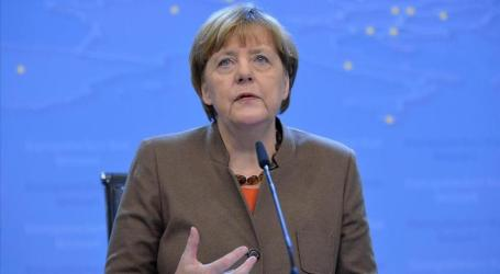 GERMAN CHANCELLOR URGES SOLIDARITY WITH REFUGEES