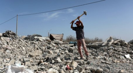 Israel Angry With Egypt For Allowing Cement Into Gaza