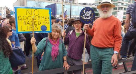 """40,000 March Through London in Bid to Halt Britain's """"Divorce"""" from Europe"""