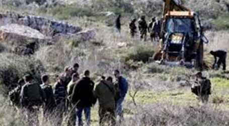Israeli Army Seizes Agricultural Road in Qaryut Village for Settlers