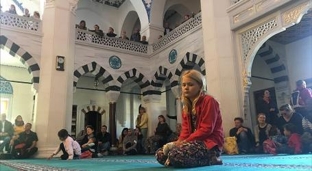 Germans Visit Mosques to Learn about Islam