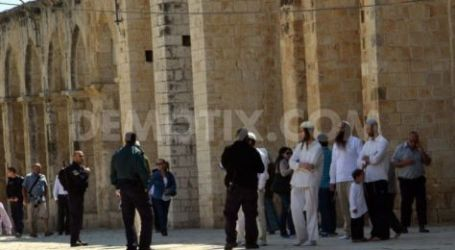 Settlers Defile Aqsa Mosque Under Police Escort