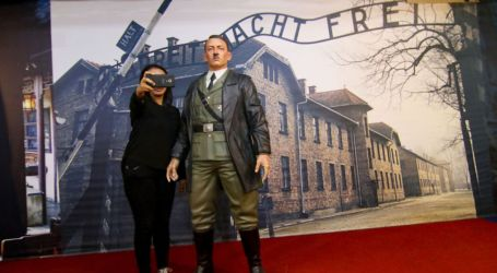 Hitler Selfie Display at Waxwork Museum Sparks Outrage