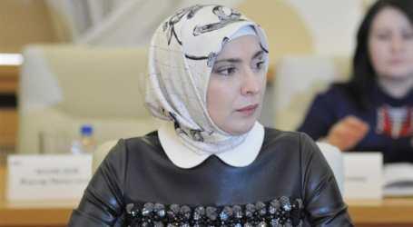Aina Gamzatova: The Muslim woman challenging Putin