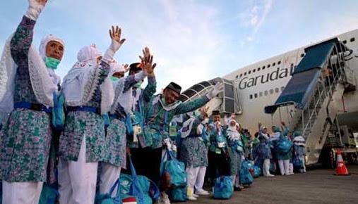 Indonesian Hajj Pilgrims Receive Living Cost in Saudi Arabia Rp5