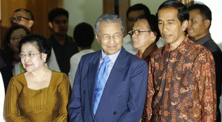 Jokowi to Give Dr M Red Carpet Welcome