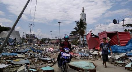 Earthquake and Tsunami in Indonesia Kill Hundreds with Death Toll Expected to Rise