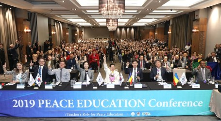 "Peace Education Conference Held in Romania: ""Realizing Peace Starts from Peace Education"""