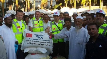Turkish Aid Agency Sends Food to 1.012 Families in Rohingya