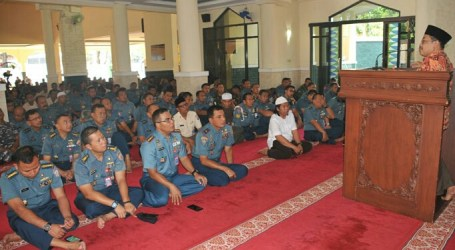 Indonesian Navy Increase Nation Service in Nuzulul Quran Commemoration