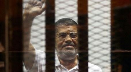 Former Egyptian President, Mohamed Morsi Dies in Court
