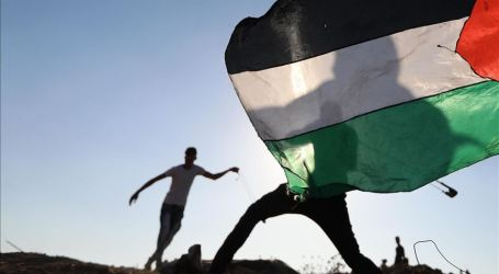 Palestinians Rally for 76th Consecutive Friday in Gaza