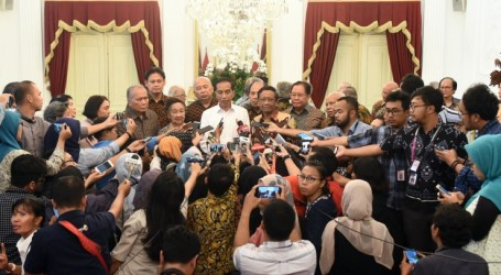 Jokowi to  Meet Student Representatives at Palace