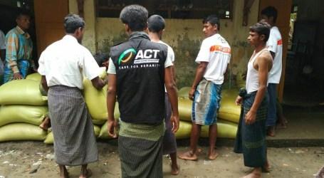 ACT Distributes Food Aid for Rohingya