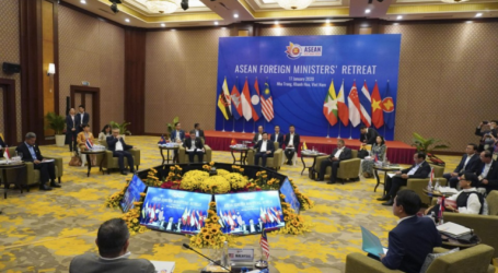 ASEAN FM Meeting: Enhance Cooperation on Rohingya and South China Sea Issues