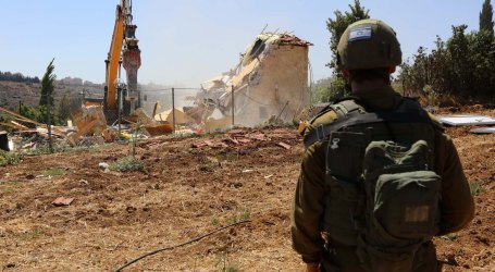 Israeli Forces Demolish Palestinian Brick House in north of West Bank