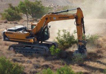 Israeli Forces Demolish Agricultural Shed South of Hebron
