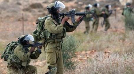 Israeli Military Targets Gaza Farmers, Fishermen, Detains One