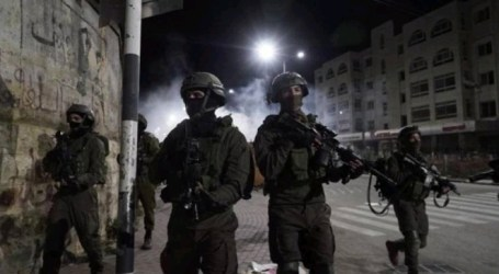 Israeli Occupation Forces Arrest 20 Palestinian Citizens in West Bank