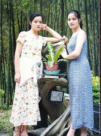 廖秀贞(右)与妹妹