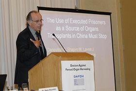 '加州大学洛杉矶分校教授兼肾脏移植项目医学主任加布里尔·达纳维奇医生'