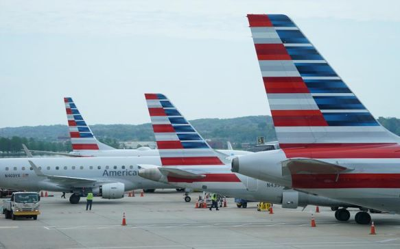 Eyeing a recovery, some U.S. airlines resume pilot hiring