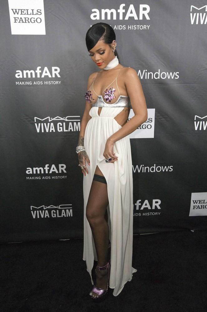 RihannaMiley Half naked at a charity event