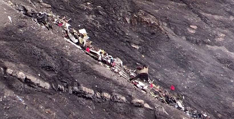 Rottami e frammenti del volo Germanwings 4U9525