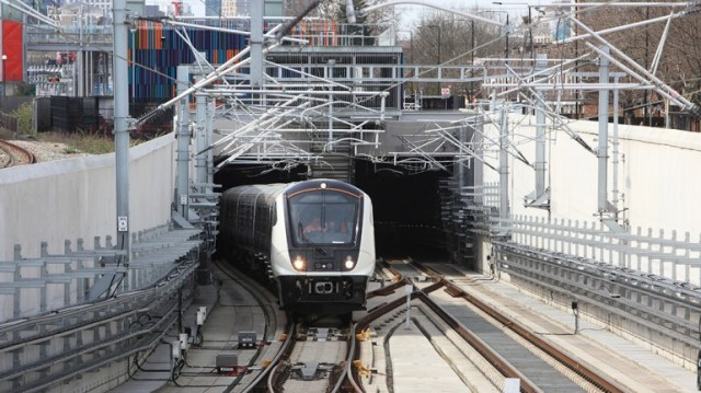 Crossrail: Line will not open until 2021 as costs rise