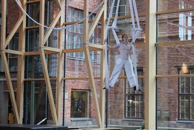 Acrobatic show at Sibeliustalo