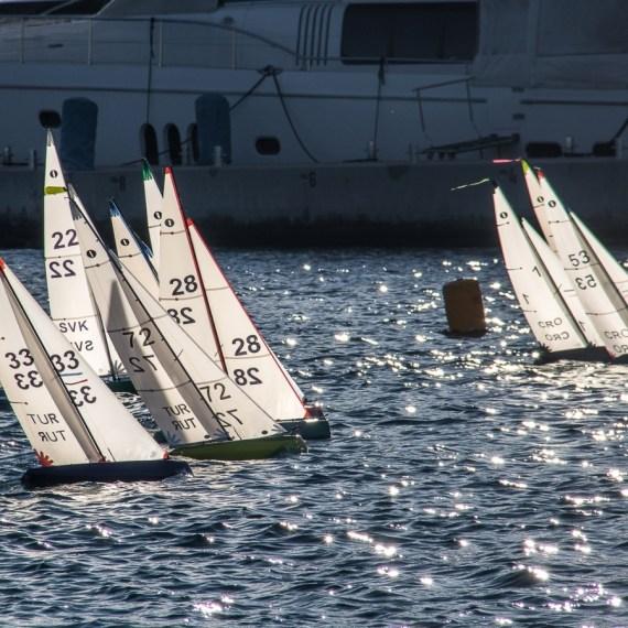 radio controlled sailboat